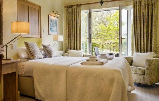 bedroom lake district
