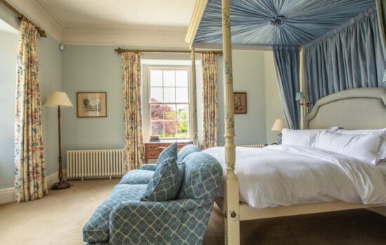 Tresillian House King Bed