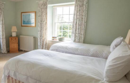 Twin room at Tresillian House